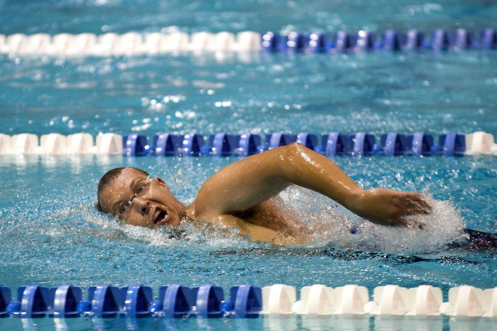 swimmer-659906_1920